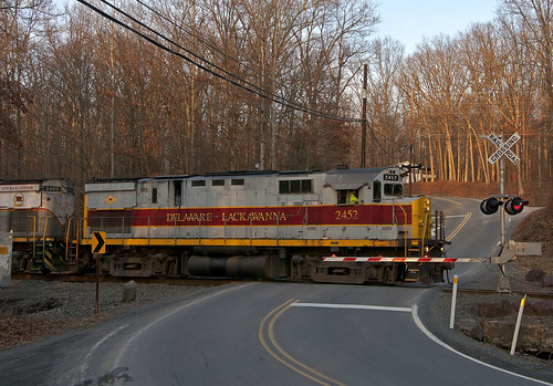 railroad train railfan alco c425 delawarelackawanna dl2452 poconomain henryvillepa
