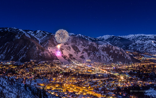 pictures show city travel toby usa ski mountains tourism beautiful night canon stars landscape photography town colorado downtown fireworks outdoor live mountaintown small nye scenic visit celebration co newyearseve newyears rockymountains ajax aspen smuggler 2012 2014 2015 lookoutdeck tobyharriman