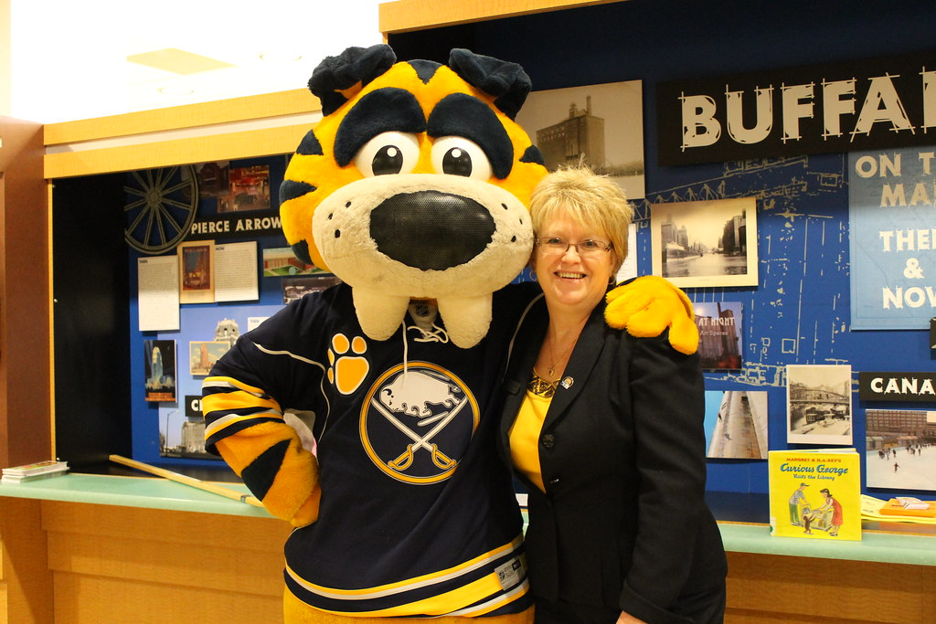 Buffalo Sabres Left Wing Marcus Foligno & Sabretooth Join the Library for Winter Reading 2015 Kickoff