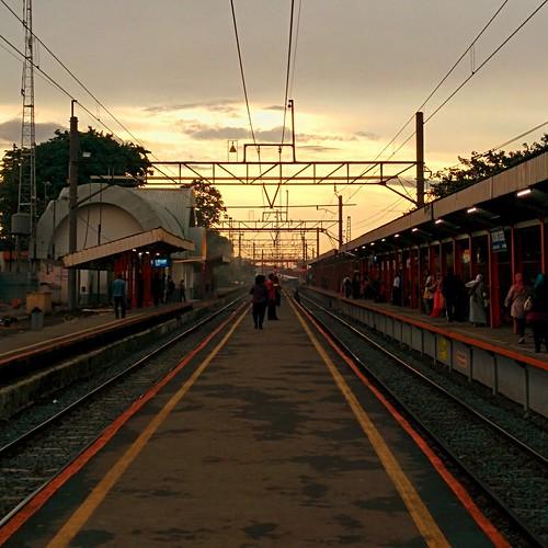 sunset station architecture train indonesia places bogor endymuhardin