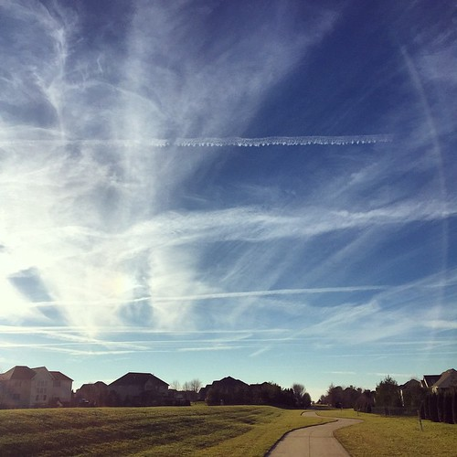 A Picture Perfect Day. I couldn't pass up a #Run #shirleyruns #contrails #sky | by shirley319