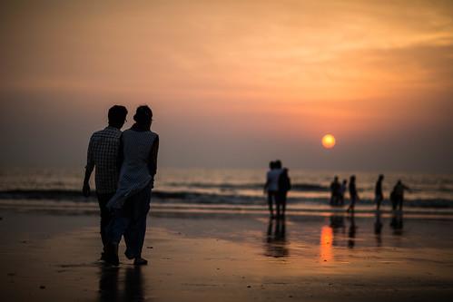 sunset sun india beach silhouette canon bombay maharashtra mumbai juhu juhubeach canon85mm12 canon5dmkiii