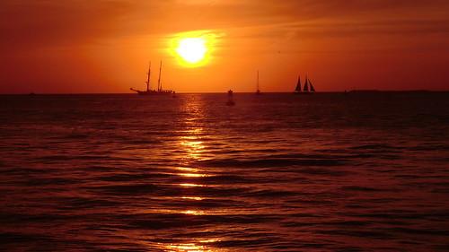 keys florida usa sunset crusing ocean sonnenuntergang ozean meer küste ufer outdoor wasser water saltwater landschaft landscape amerika northamerica nordamerika himmel vehicle boat boot ship schiff