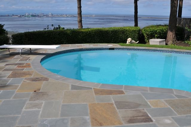 Bluestone Natural Cleft Mixed Sized paver Full Color with