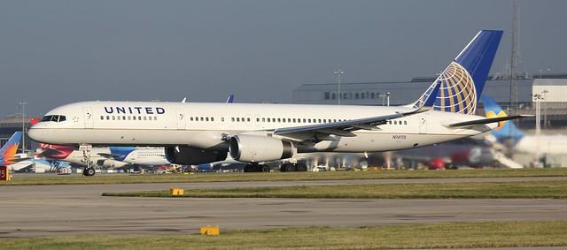 N14115 UNITED AIRLINES BOEING 757-224(WL)