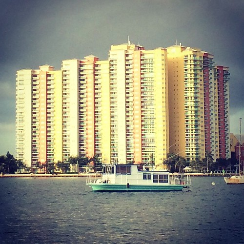 Yes please to that jaunty little house #boat. #lakeworth #Florida #travel | by kindreds unite