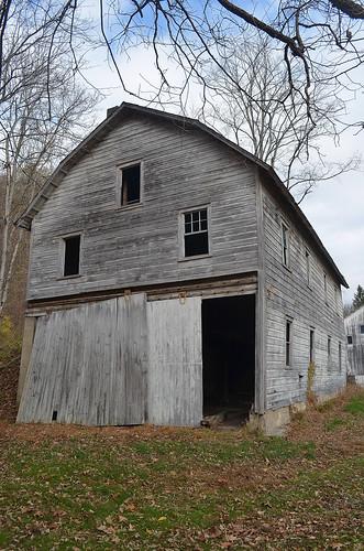 abandoned barn farm delawarewatergap lehmanpa pikecountypa