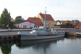 Patrouillenboot MHV 903 HJORTØ im Hafen von Nexö (Bornholm, DK)