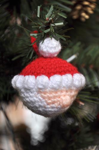 Here Comes Santa! pattern by Melissa Trotter | Amigurumi navideño ... | 500x332