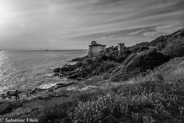 ...walking on the rocks - Castello Boccale