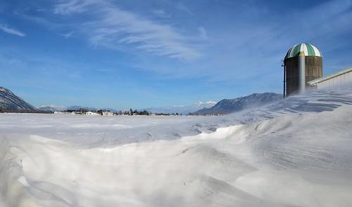 nikond7000 nikkor18to200mmvrlens canada bc britishcolumbia abbotsford sumasprairie winter mtcheam silo snowdrift snow