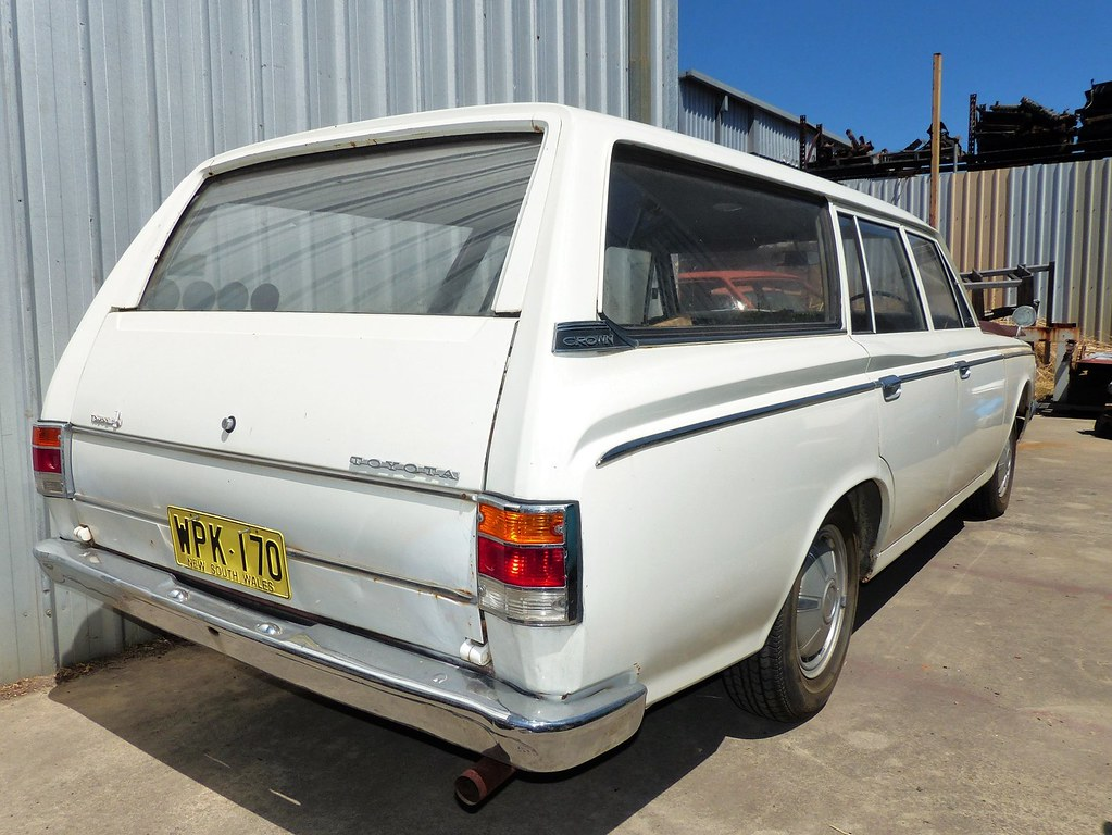 toyota crown ms57 wagon 1968 rear seen at blue dog garage toyota crown logo toyota crown station wagon 1968 had