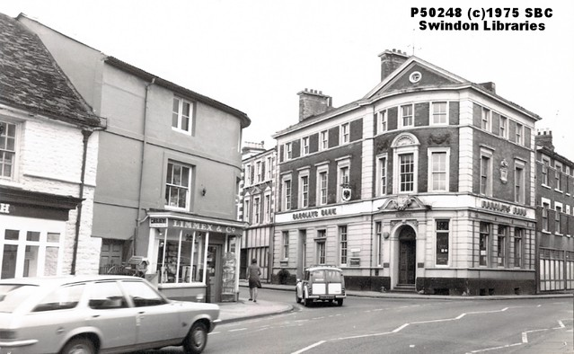 1975: High Street, Old Town, Swindon - Limmex & Co. and Barclays Bank