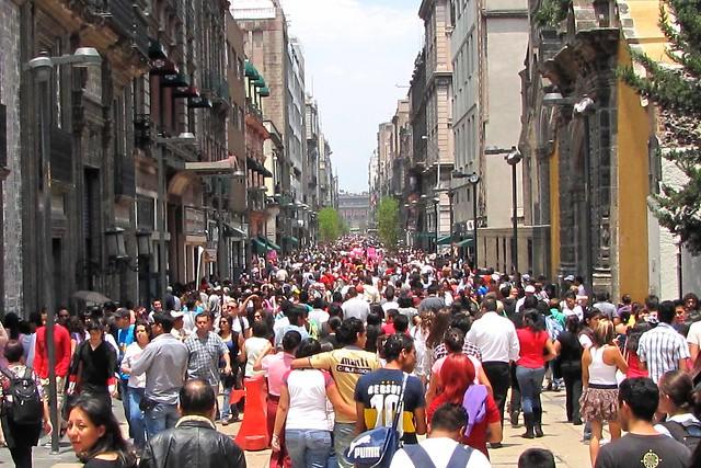 walking street in México City