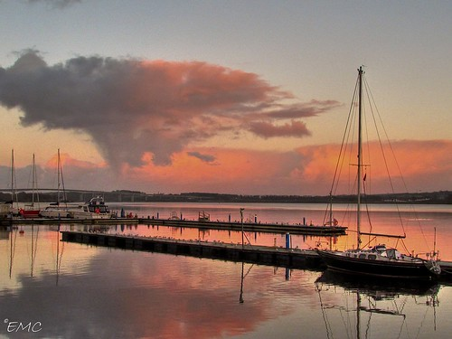 ireland sunset sky clouds port marina canon reflections river boats evening powershot quay coastal londonderry boardwalk northernireland derry ulster foyle bythesea promanade riverfoyle timberquay