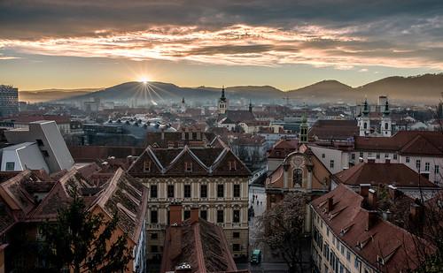 city winter sunset sky clouds austria österreich nikon cityscape sonnenuntergang outdoor wolken roofs stadt palais sunrays graz d800 schlossberg klar dachlandschaft stadtpanorama schlossbergplatz
