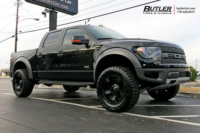 Ford Raptor with 20in XD Rockstar II Wheels