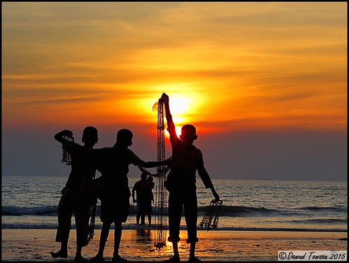 ocean poverty red sea seascape beach nature boys silhouette yellow reflections landscape evening coast sand scenery couple asia waves asians indianocean culture sunsets coastal bangladesh veiw chittagong coxbazar
