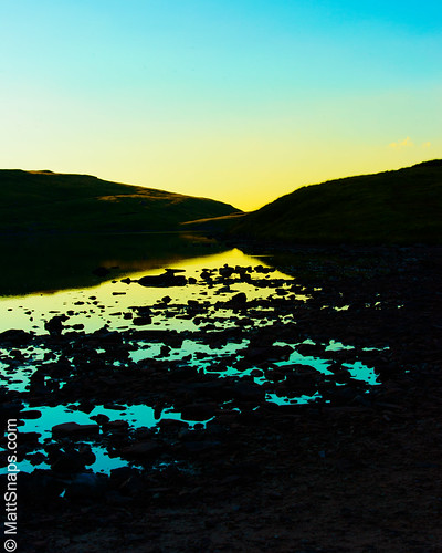 blue gold lake wales water mountain tarn brecon pond sunset polarised reflection breacon