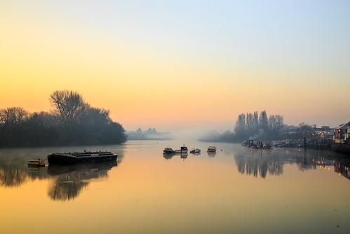 longexposure sun london thames sunrise canon river boat riverthames chiswick canon24105mm