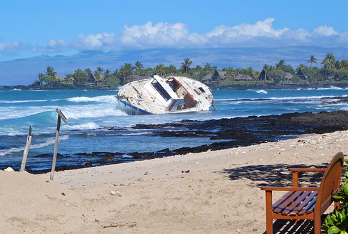 75' humanitarian ship flips twice and crashes into Four Seasons Hualalai reef; one lost at sea.   by jurvetson