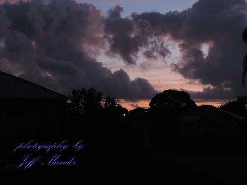 pink blue sky clouds sunrise bundaberg