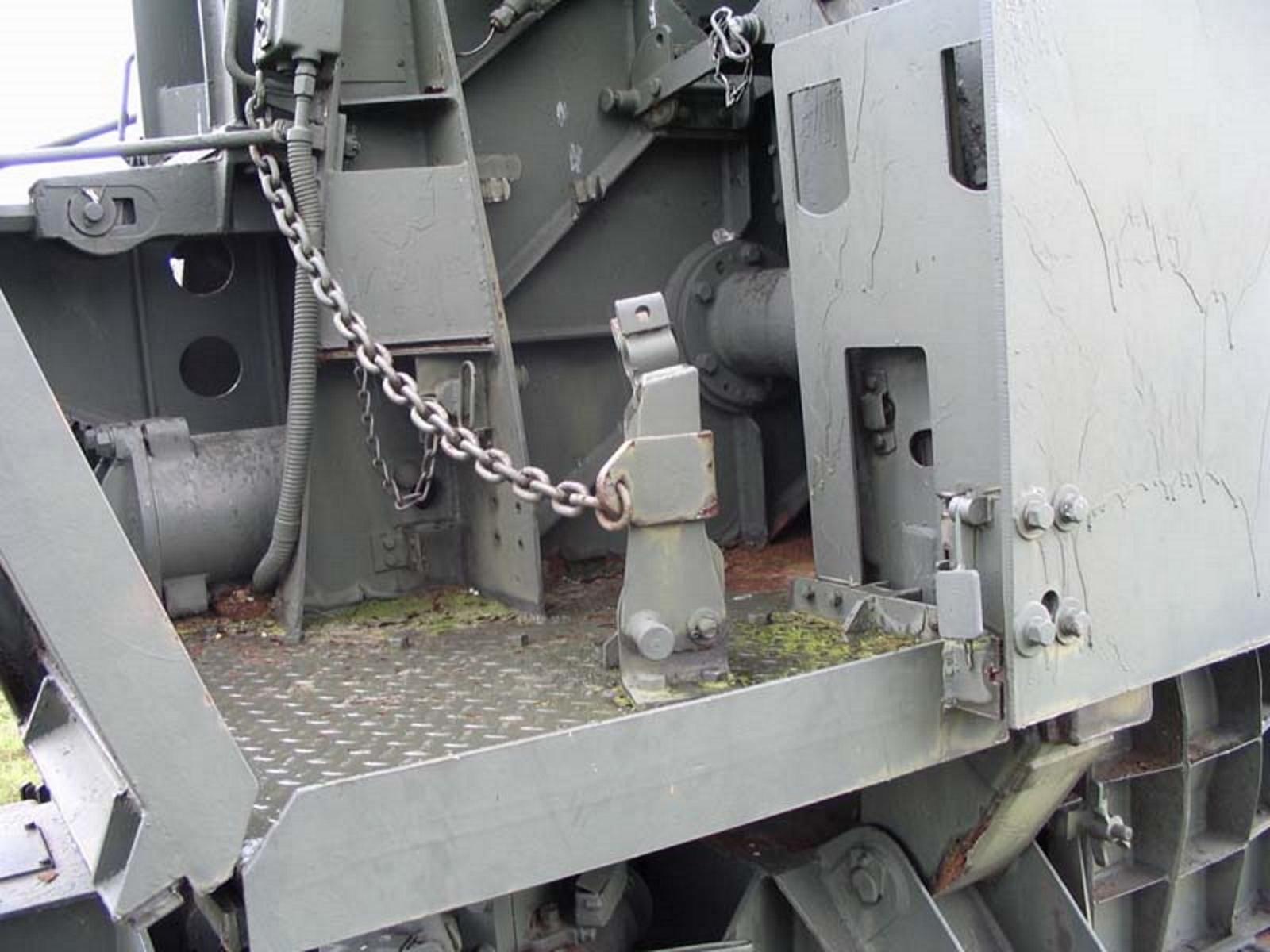 US 90mm M2 Anti-Aircraft Gun 4