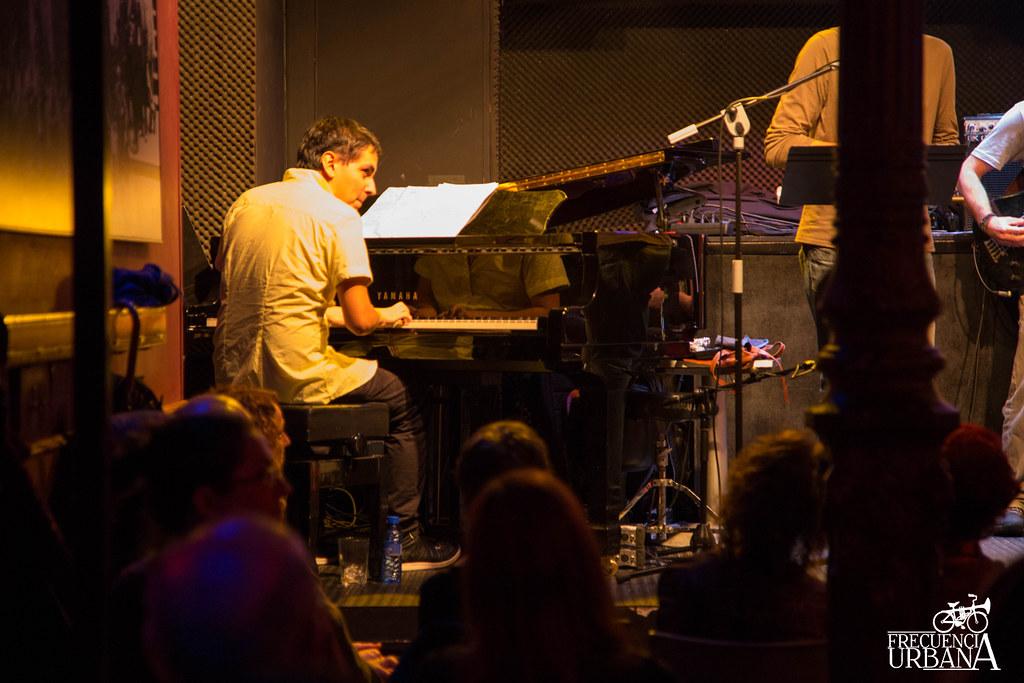 """Imágenes del concierto de Sinouj en la sala Bogui Jazz, Madrid. 13/12/2014  El artículo completo aquí, <a href=""""http://wp.me/p2Ifpt-OV"""" rel=""""nofollow"""">wp.me/p2Ifpt-OV</a>"""
