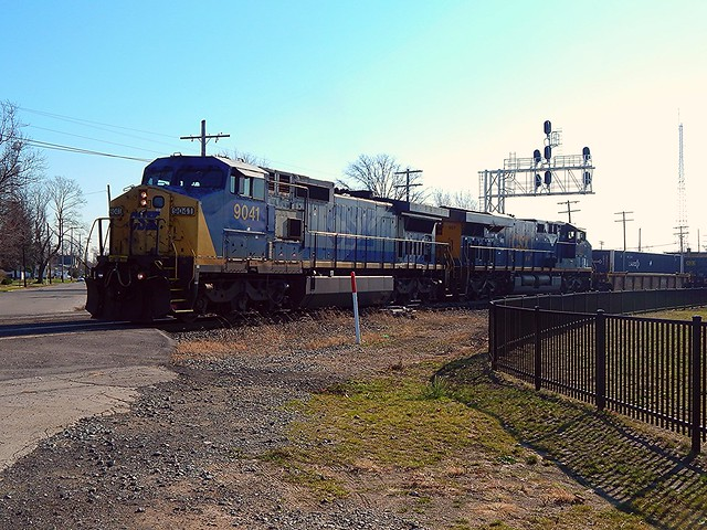 CSX switching from one main to another at Fostoria Ohio