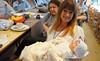 Ein Hauch von Nostalgie - Heidi Müller mit der bei der Veranstaltung nun nach Banater Brauchtum getauften Puppe