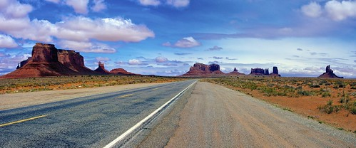 On the Road in Monument Valley | by Les_Williams