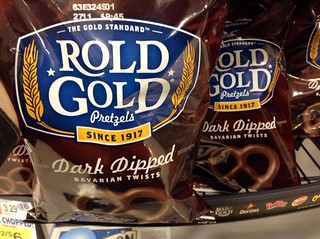 Rold Gold Pretzels, 12/2014 by Mike Mozart of TheToyChannel and JeepersMedia on YouTube #Rold #Gold #Pretzels | by JeepersMedia