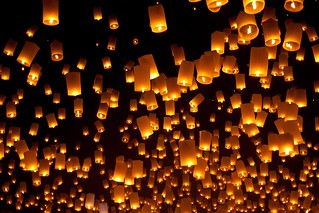 Yee-Peng-Festival-floating-lanterns-in-Chiang-Mai-Thailand | by Guy Tetreault