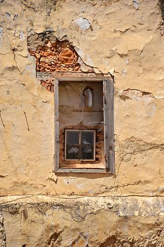 window wall building architecture house old historical city sunny sunlight urban island crete kriti kreta chania hania xania canea oldtown