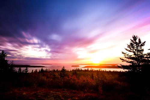 ocean longexposure blue red orange usa tree water clouds sunrise is woods tripod maine atlantic usm atlanticocean ef steuben 1635mm f4l pigeonhill graufilter canoneos5dmarkiii ef1635mmf4lisusm haidaslim30nd1000ndneutraldensitygreyfilter1000x