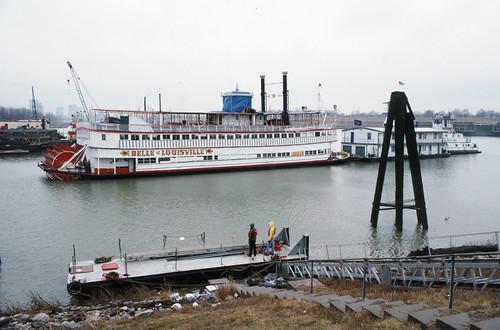 river kentucky louisville steamer ohioriver towboat towboats belleoflouisville wharfboat gailann mayorandrewbroaddus
