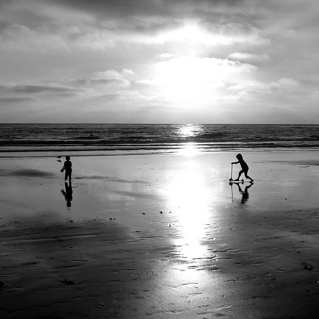 beach-y kids in b&w