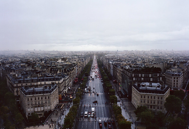 champs elysees | mamiya 645 1000s