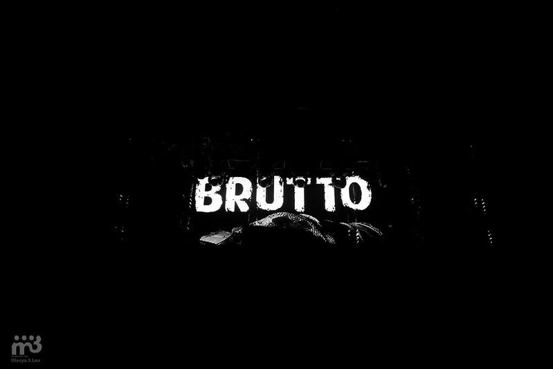 BRUTTO (11)