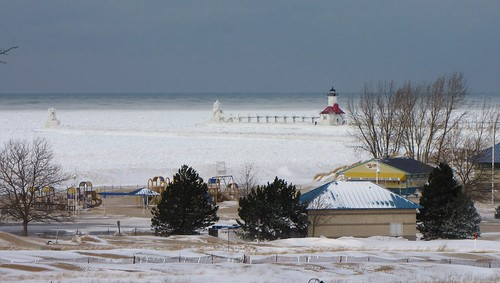 winter lighthouse ice canon geotagged michigan stjosephriver stjosephmichigan stjosephlighthouse canonpowershotsx10is