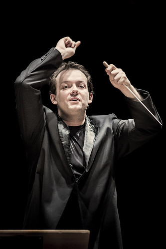 Andris Nelsons in action.