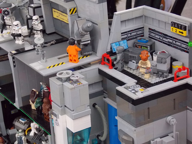 LEGO Star Tours: The Adventures Continue