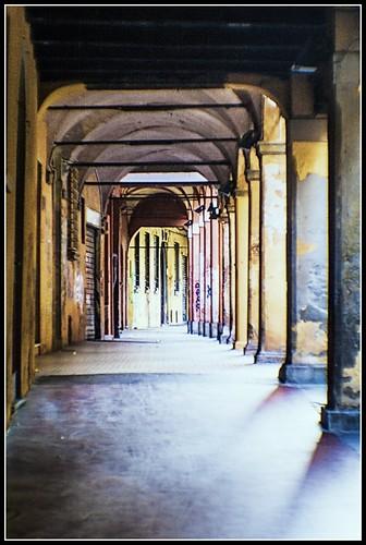 Bologna in agosto: via Vinazzetti
