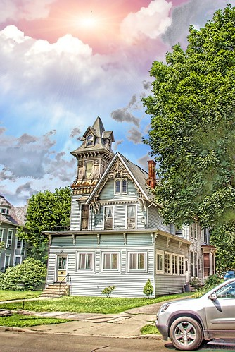 binghamton ny newyork architecture style queenanne victorian 86 main st landmark tower carved wood onasill nrhp district canon sl1 rebel 18250mm macro sigma sky clouds sunset rays bromecounty