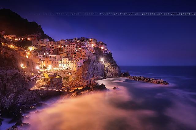 Blue Hour to Manarola ( Cinque Terre, Italy )