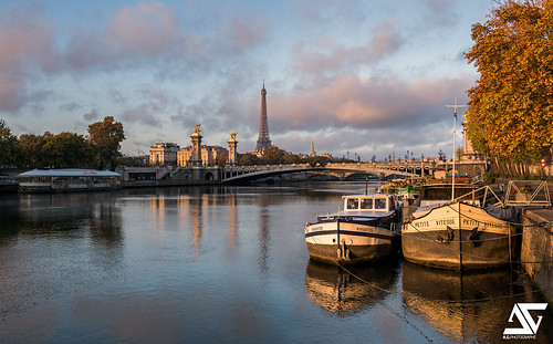 autumn paris france sunrise automne french nikon europe eiffeltower toureiffel ag capitale nikkor péniche barge français parisian anto pontalexandreiii xiii parisien 2470 d810 antoxiii agphotographe