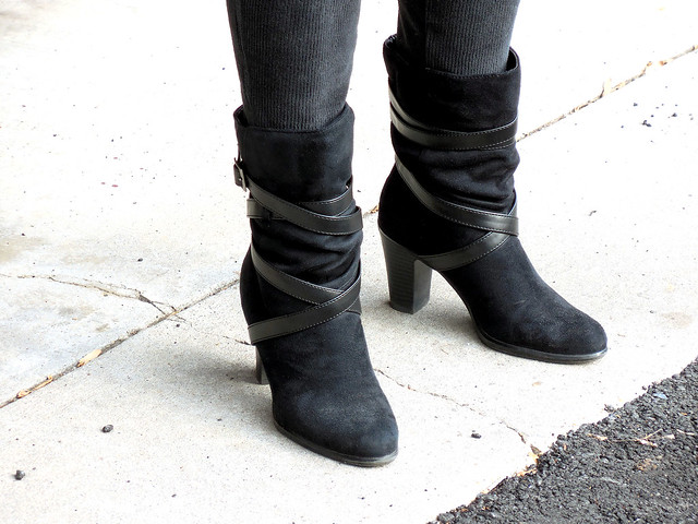 2015-01-20 (12) black suade boots
