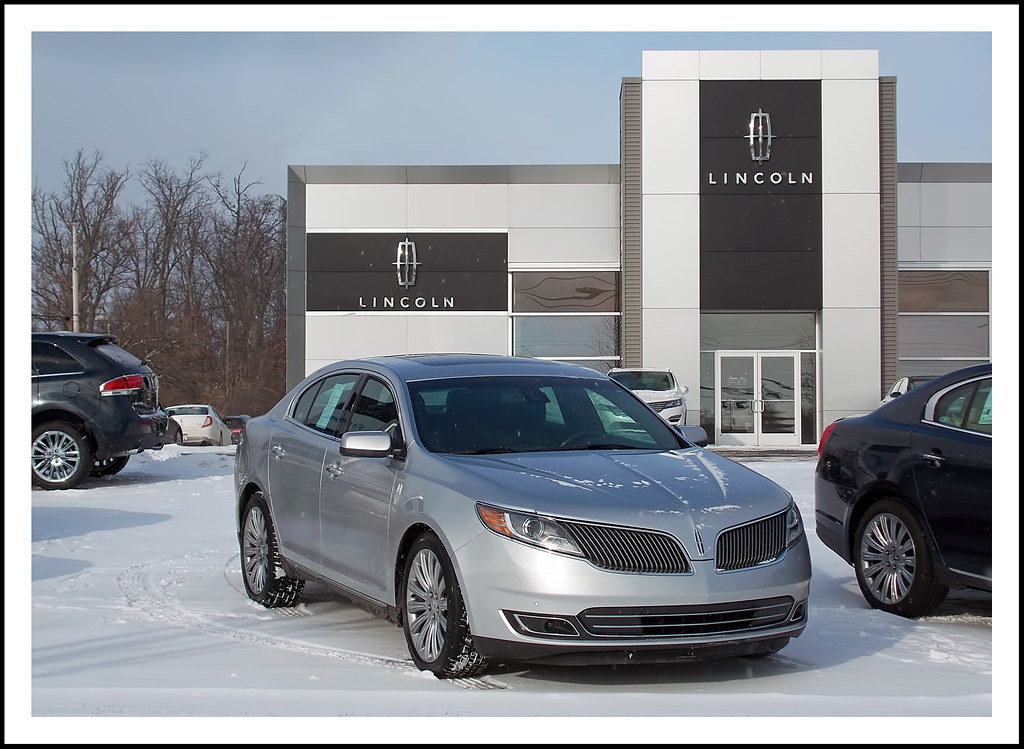 a lincoln in the snow at sesi lincoln in ann arbor flickr flickr