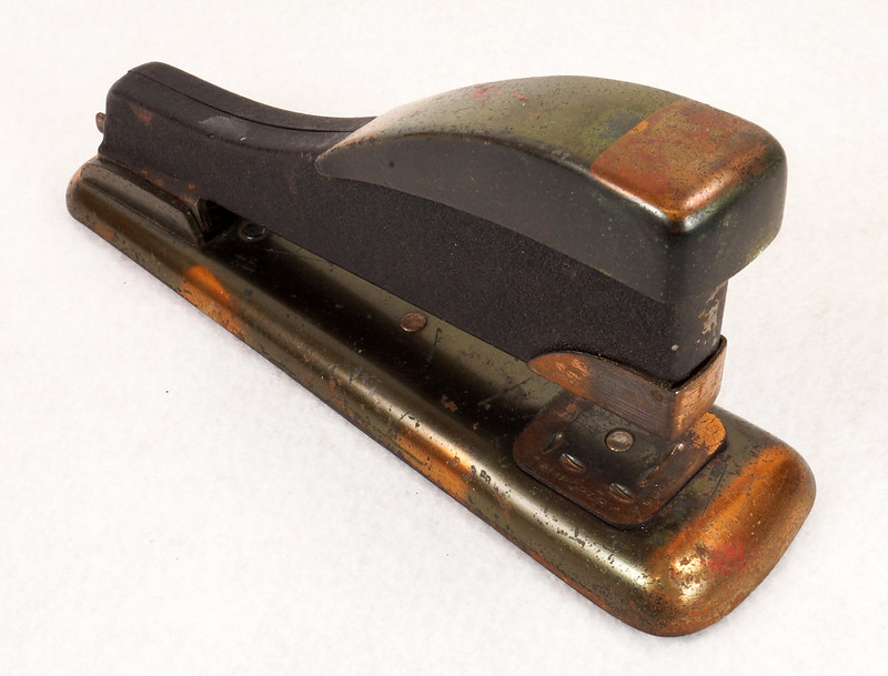 RD11756 Vintage Art Deco Stapler The Hotchkiss Sales Co. Norwalk, CT Model 120 DSC02409