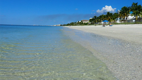 usa florida naples gulf beaches outdoor usaeast strand sand meer ocean ozean küste swimming water landschaft landscape southernusa summer sunnyday gulfcoast gulfofmexico unitedstatesofamerica amerika america northamerica nordamerika